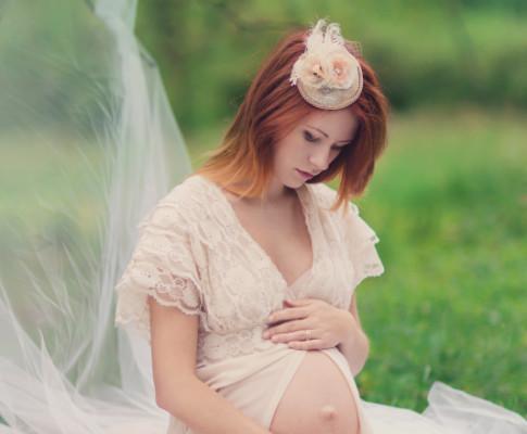 Sesje ciążowe – plenerowe i studyjne